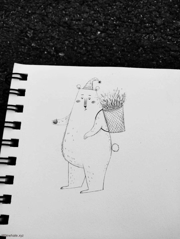 小熊拔草回来捡到一个果子